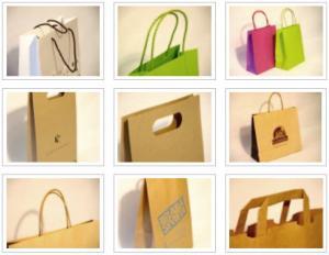 Пакеты бумажные с разными видами ручек